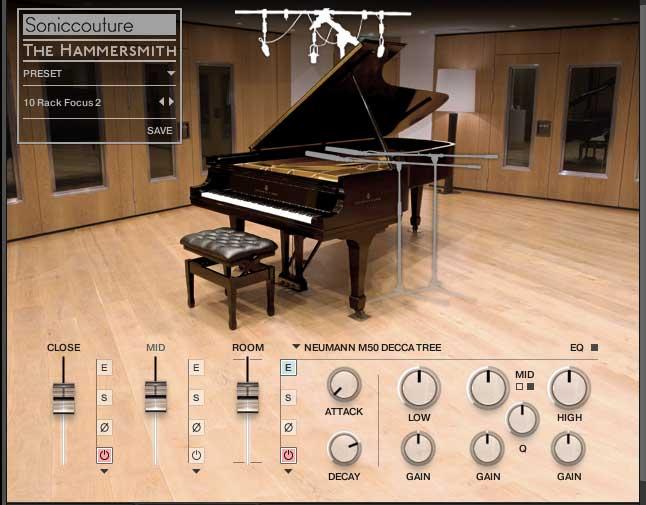 EQ Raummikrofone (Silhouette über dem Piano)