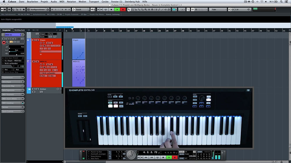Cubase, KOMPLETE-S Keyboard mit Lightguide