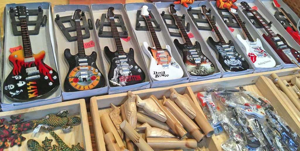 Miniatur-Gitarren